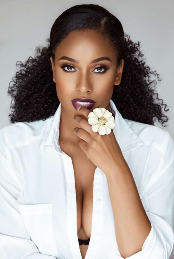 Maqailla Naomi